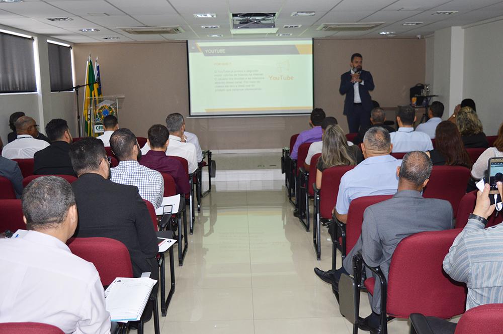 Café com Especialista: palestra lota auditório | CRECI-GO/ Conselho Regional de Corretores de Imóveis de Goiás