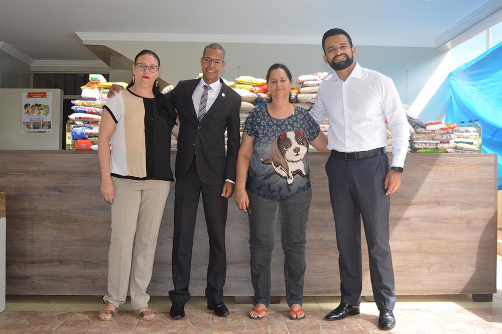 Solidariedade: mais de 200kgs de alimentos são doados | CRECI-GO/ Conselho Regional de Corretores de Imóveis de Goiás