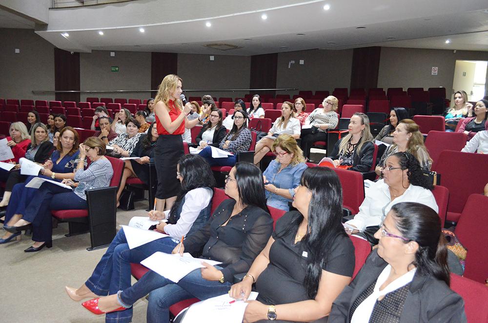 Corretoras de imóveis se reuniram no Encontro das Mulheres | Creci-GO