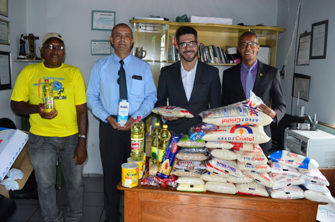 Abrigo recebe doação de alimentos | CRECI-GO/ Conselho Regional de Corretores de Imóveis de Goiás