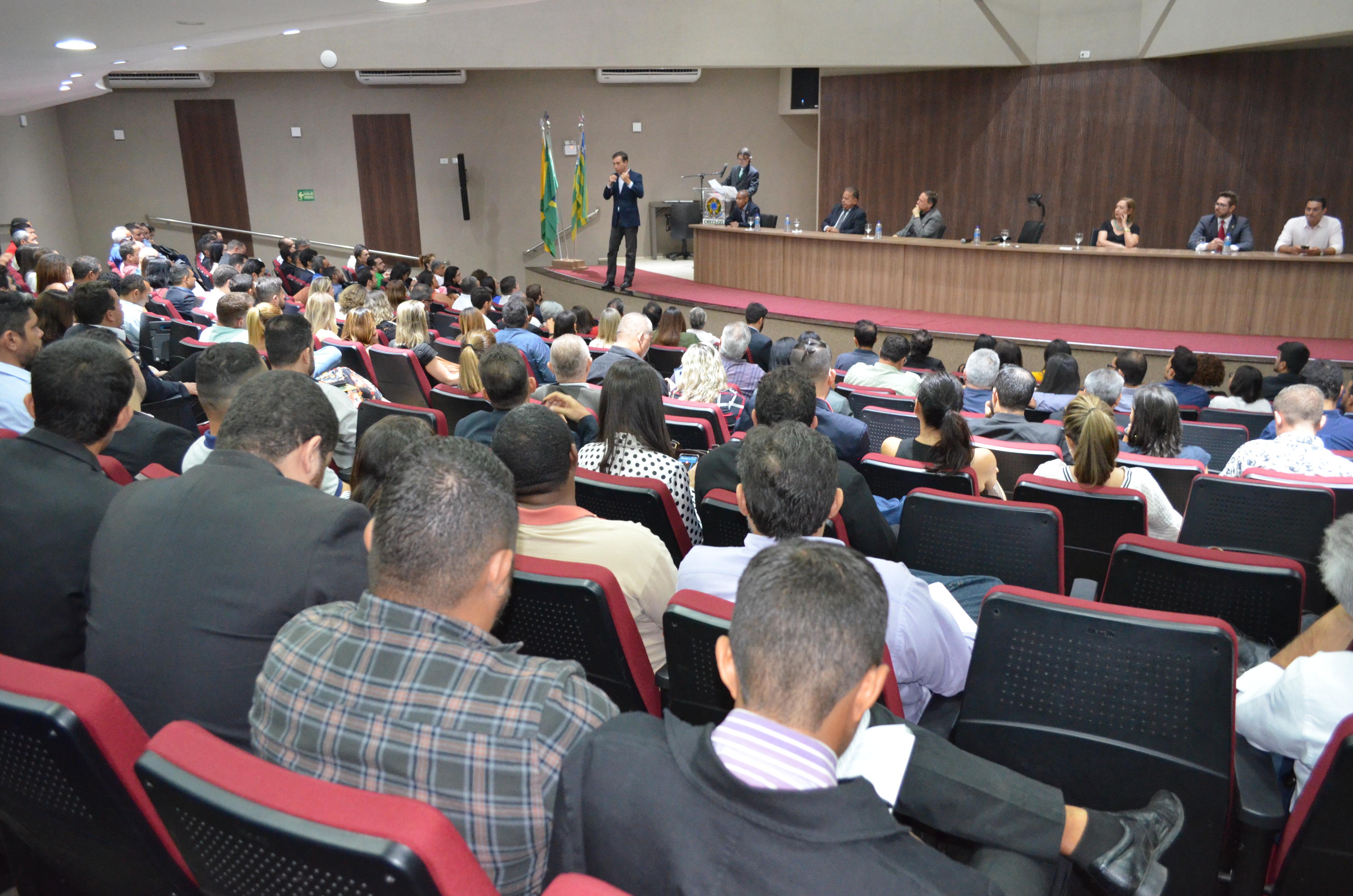 Novos profissionais ingressam no mercado imobiliário   CRECI-GO/ Conselho Regional de Corretores de Imóveis de Goiás