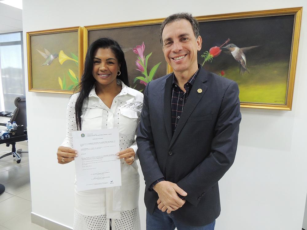 Representante do Creci Mulher é empossada em Anápolis | CRECI-GO/ Conselho Regional de Corretores de Imóveis de Goiás