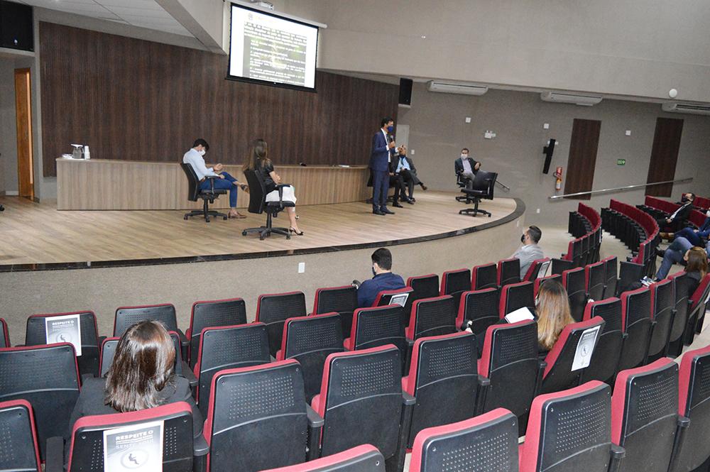 CRECI-GO nas empresas | CRECI-GO/ Conselho Regional de Corretores de Imóveis de Goiás